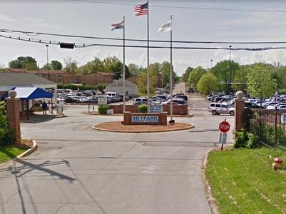 SkyPark Airport Parking in Saint Ann, MO (3657180)